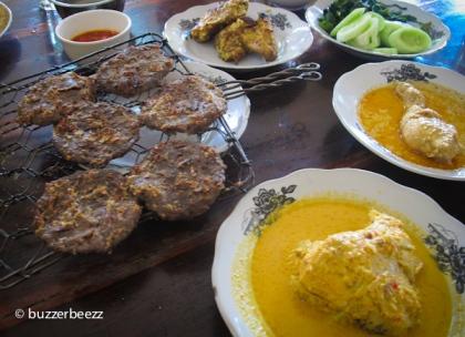 Dendeng batokok dan hidangan lainnya