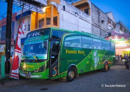 Bus Family Raya