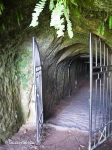 Salah satu pintu masuk Lobang Jepang