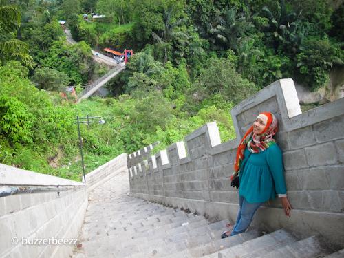 Great Wall Koto Gadang, terlihat di dindingnya sudah banyak coretan