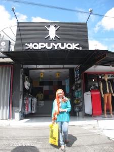 Toko souvenir Kapuyuak
