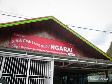 Nama warung Itiak Lado Mudo