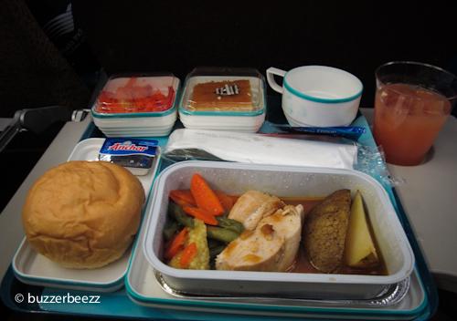 Salah satu menu yang pernah saya santap di penerbangan jarak jauh
