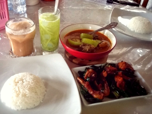 Aceh food for our lunch (photo by Nenny Wulandari)