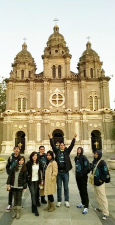 Di depan St. Joseph Church, Wangfujing, Beijing (photo from Garuda Indonesia's tweet)